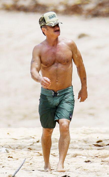 STRAM KAR:Det er bare to år til Sean Penn fyller 60, men det er ingen pappakropp i sikte. Foto: NTB Scanpix