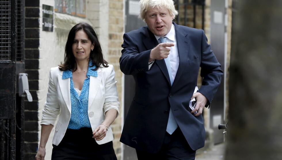 <strong>HVER TIL SITT:</strong> Etter 25 år sammen, har den britiske politikeren Boris Johnson og kona Marina Wheeler gått ut med at de skal skilles. Her er paret avbildet sammen i 2015. Foto: Reuters/ NTB scanpix