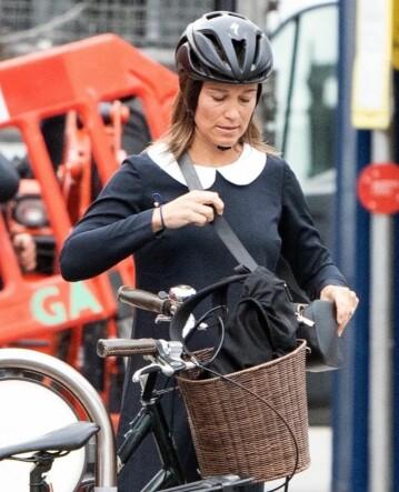 GLAD I TRENING: Pippa Middleton har flere ganger gitt uttrykk for at hun vil opprettholde en aktiv livsstil under svangerskapet. Nå mener enkelte at hun har dratt det for langt. Her avbildet i august. Foto: NTB Scanpix
