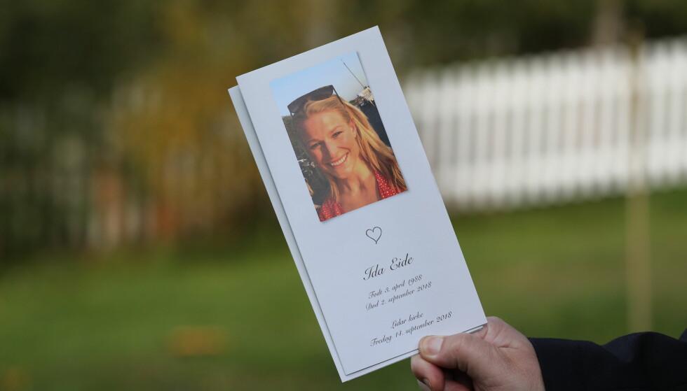 BEGRAVELSE: I dag tok venner og familie en siste avskjed med Ida Eide i Lidar kirke. Foto: Andreas Fadum / Se og Hør
