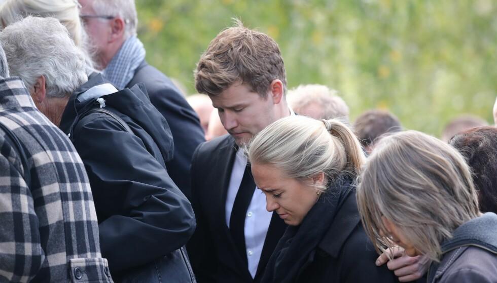 I SORG: Nicolay Ramm og kjæresten Josephine Leine. Foto: Andreas Fadum / Se og Hør