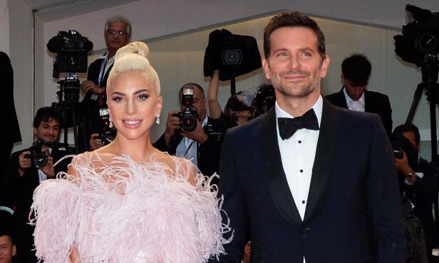 AKTUELLE: Filmstjernen spiller mot Lady Gaga i den nye filmen «A Star Is Born». I filmen spiller Cooper rollen som en erfaren musiker, som oppdager artisten Ally, spilt av Lady Gaga. Foto: NTB scanpix