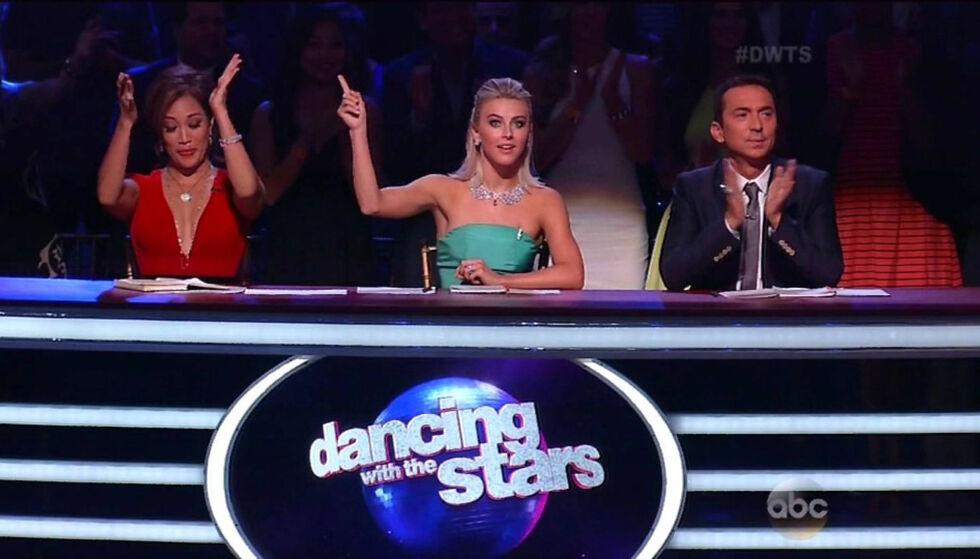 MÅTTE FORKLARE SEG: «Dancing with the stars»-dommer Julianne Hough (midten) fikk Amber Rose på nakken etter å ga gitt henne en tilbakemelding. Bildet er hentet fra en annen sending. Foto: NTB Scanpix