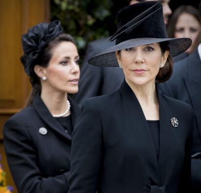 I SKYGGEN AV SVIGERINNEN: Rivaliseringen mellom kronprinsesse Mary og prinsesse Marie (bak) pågår for fullt, ifølge danske medier. Foto: NTB Scanpix