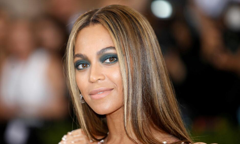 DÅRLIG KOKK: Beyoncé er god til mye, men på kjøkkenet skal hun være ganske elendig, i alle fall om man skal tro hennes mor, Tina Knowles. Foto: NTB Scanpix