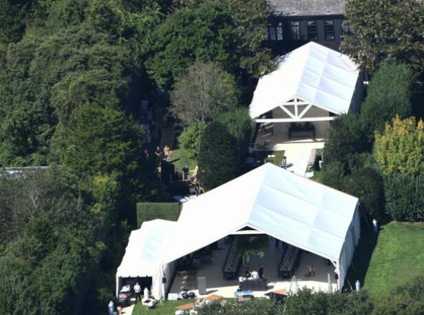 GEDIGENT: Gwyneth og Brad slo på stortromma da de giftet seg, og satte opp flere gedigne telt i hagen. Foto: NTB scanpix