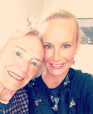 MOR OG DATTER: Ingeborg og moren Eva har kommet enda nærmere hverandre etter brystkreften. Foto: Privat