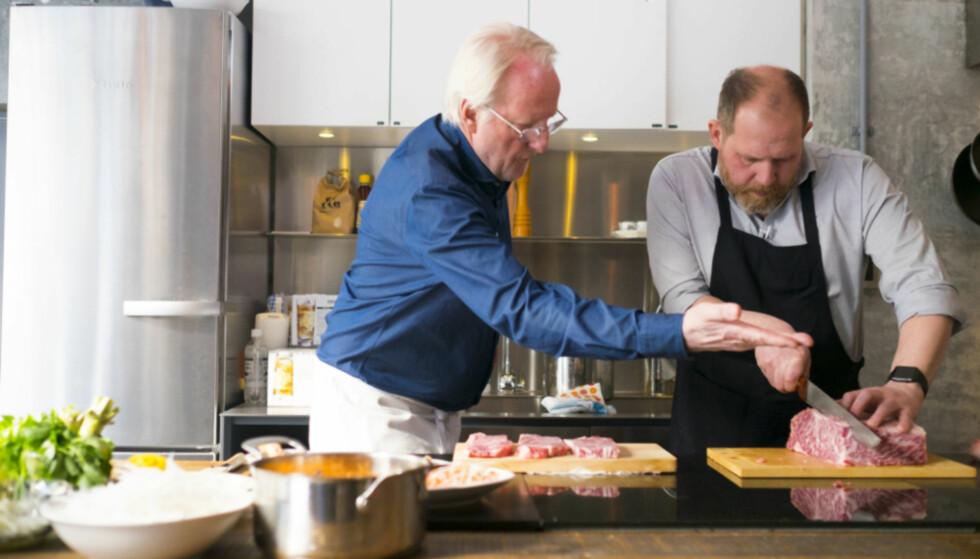 <strong>MATENTUSIASTER:</strong> Selv om man kanskje skulle tro at Truls Svendsen og Eyvind Hellstrøm er svært ulike mennesker, er de begge svært glad i god mat. Foto: NTB Scanpix