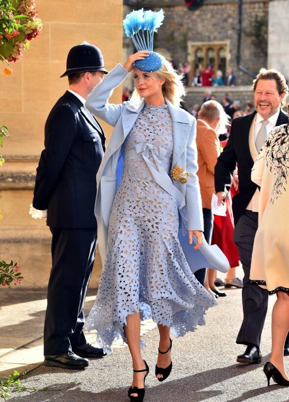 POPPY DELEVINGNE: Storesøsteren til Cara vekket på sin side oppsikt i en annen, spesiell hatt. Foto: NTB scanpix