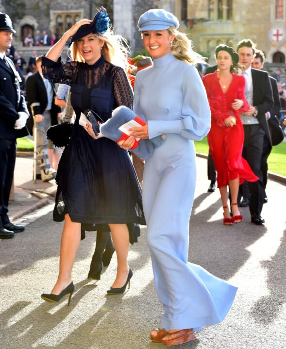 PRINSENS EKS: Chelsy Davy (t.v) dukket opp i bryllupet. Hun er ekskjæresten til prins Harry. Foto: NTB scanpix