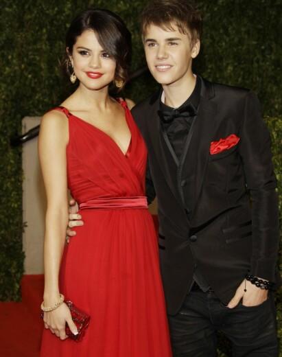 PROFILERT PAR: Selena Gomez og Justin Bieber var et av musikkbransjens mest omtalte kjærestepar. Her er de fotografert sammen i 2011. Foto: NTB Scanpix