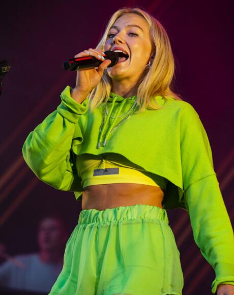 POPFENOMEN: Astrid Smeplass har vært en stor del av rampelyset siden hun kom på femtplass i Idol i 2013. Foto: NTB scanpix