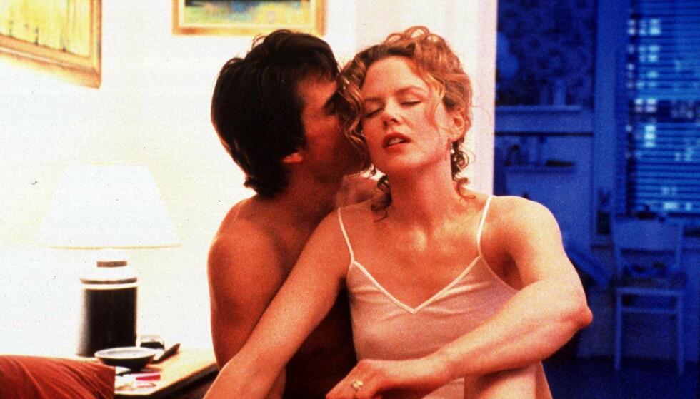 MØTTES PÅ JOBB: Nicole Kidman og Tom Cruise møttes under innspillingen av filmen «Days of Thunder» i 1990. De giftet seg i desember samme året. Her er paret i den erotiske thrilleren «Eyes Wide Shut» fra 1999. Foto: NTB Scanpix