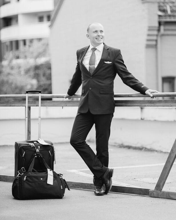 FLYVERT: For fire år siden valgte Bjørn å få seg ny jobb. I dag jobber han som flyvert i SAS. Foto: Gaute Gjøl Dahle