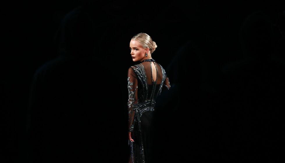 HATT DET TØFT: Sophie Elise Isachsen valgte lørdag å trekke seg fra «Skal vi danse». Nå får hun støtte og gode ord fra flere hold. Foto: TV 2