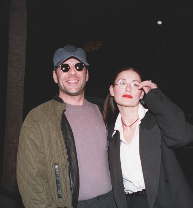 <strong>DEN GANG DA:</strong> Bruce Willis og Demi Moore var gift fra 1987 til 2000. Sammen fikk de døtrene Rumer, Scout og Tallulah Willis. Her er paret avbildet sammen i 1993. Foto: NTB Scanpix