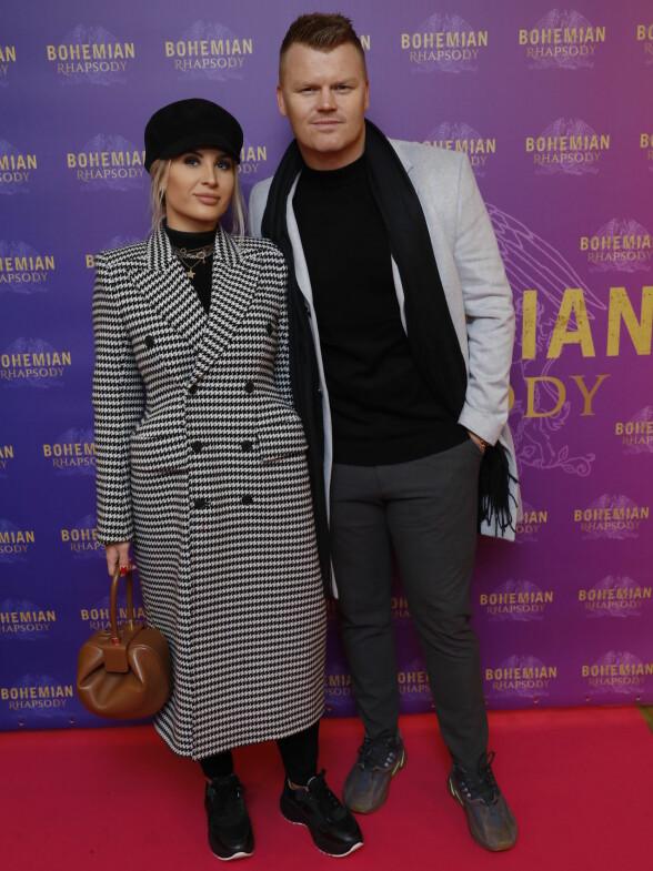 <strong>PREMIERE KLARE:</strong> Også ekteparet John Arne Riise og Louise Angelica Riise dukket opp på premieren. Foto: Espen Solli / Se og hør