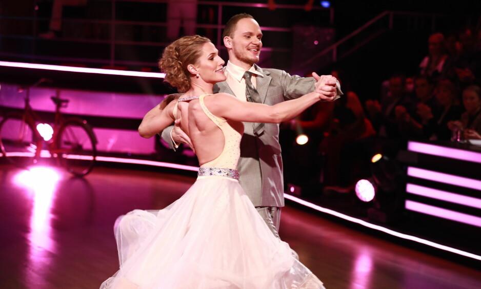 UTE AV «SKAL VI DANSE»: Thea Næss trakk det korteste strået i kveldens «Skal vi danse». Foto: TV 2