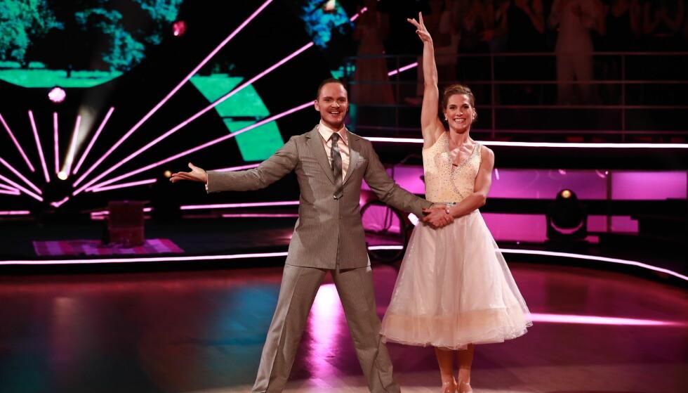 FORTSETTER Å DANSE: Selv om Thea Næss er ute av «Skal vi danse», har hun ingen plan om å slutte med dansing. Foto: TV 2