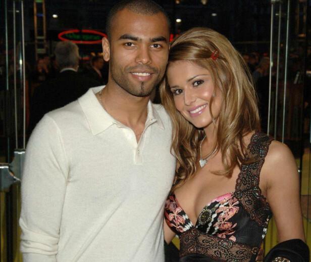 EKSMANN 1: Den tidligere fotball-proffen Ashley Cole skal ha vært utro etter noter da han var gift med Cheryl. Her er de avbildet sammen i 2006. Foto: NTB Scanpix