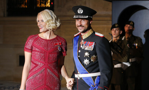 NORSKE GJESTER: Mette-Marit og Haakon avbildet i Luxembourg 19. oktober 2012, i forbindelse med bryllupet til Guillaume og Stephanie. Foto: NTB scanpix