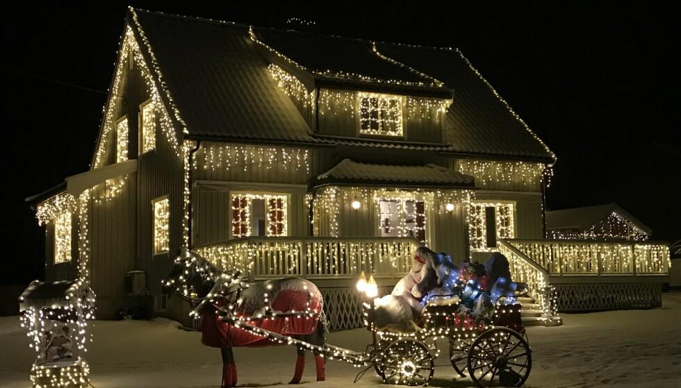 Vant «Årets julehus» - her er ekspertens beste julelys-tips