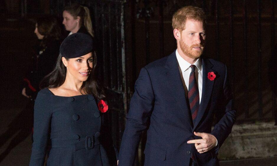 PROBLEMER MED STATSBORGERSKAP: Nå står kongefamilien overfor en utfordring de aldri har sett maken til i forhold til hertuginne Meghans statsborgerskap. Foto: NTB Scanpix
