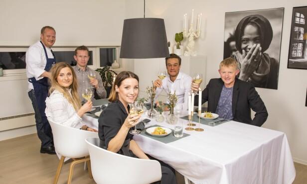 MIMREFEST: Pål Anders og Mette inviterer til en bedre middag. Frank Løke, Martine Ek Hagen og hennes kjæreste Aleksander Ek var på plass. Terje Burum sørget for fantastisk mat. Foto: Tor Lindseth/ Se og Hør