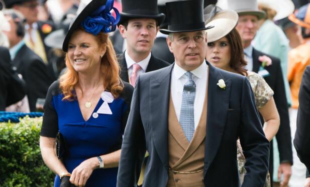 <strong>GODT FORHOLD:</strong> Sarah og prins Andrew har et godt forhold til tross for at de er skilt. Her sammen i 2015. Foto: NTB scanpix