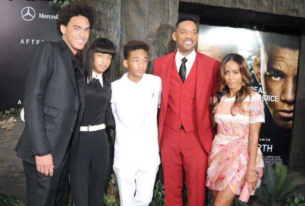 STORFAMILIE: Will og Jada har to barn sammen. Trey, helt til venstre, fikk Will med ekskona Sheree. Foto: NTB Scanpix