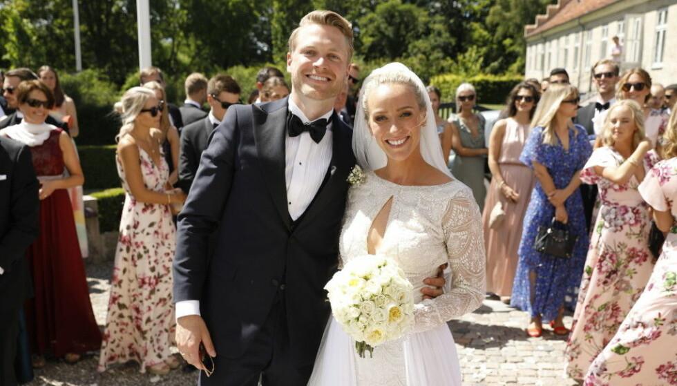 SÅ LYKKELIGE: I sommer giftet 29-åringen seg med sin kjære Harald Dobloug (28). Foto: Espen Solli / Se og Hør