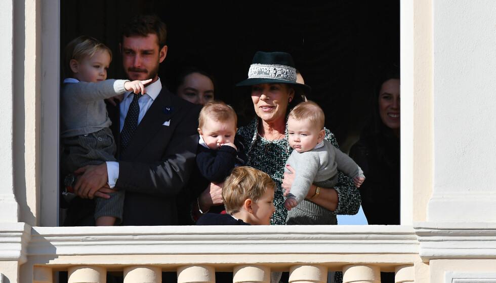 LYKKEN SMILER: Prinsesse Caroline viste sin glede over den varme mottakelsen hun fikk av innbyggerne i Monaco. Lykken smiler for prinsessen. Foto: NTB Scanpix