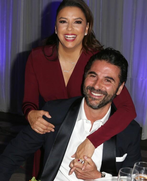 FORELSKET: Her er Eva og ektemannen sammen på en galla middag i Los Angeles sist måned. Foto: NTB Scanpix.