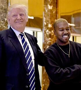 VENNER? Kanye og presidenten ble også fotografert sammen i desember i 2016. Foto: NTB Scanpix