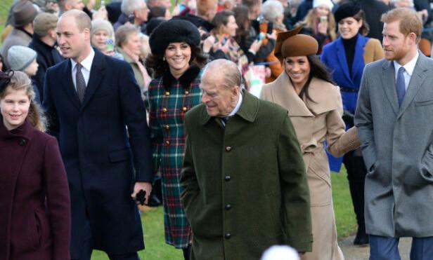 MEGHANS FØRSTE JUL: I fjor var den første julefeiringen der hertuginne Meghan (36) deltok. I år er hun avbildet på kongefamiliens julekort: Foto: NTB Scanpix