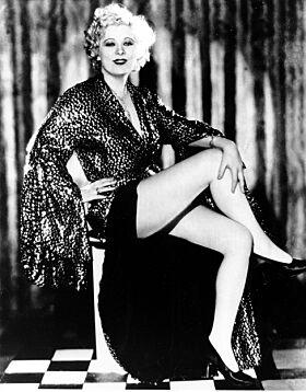 - DIVA: Jane «Mae» West var en amerikansk skuespillerinne, dramatiker og sangerinne. Hun gikk bort i 1980. Foto: NTB Scanpix