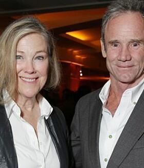 <strong>GIFT I 25 ÅR:</strong> Catherine O'Hara og Bo Welch avbildet sammen i 2013. Foto: AP/ NTB scanpix