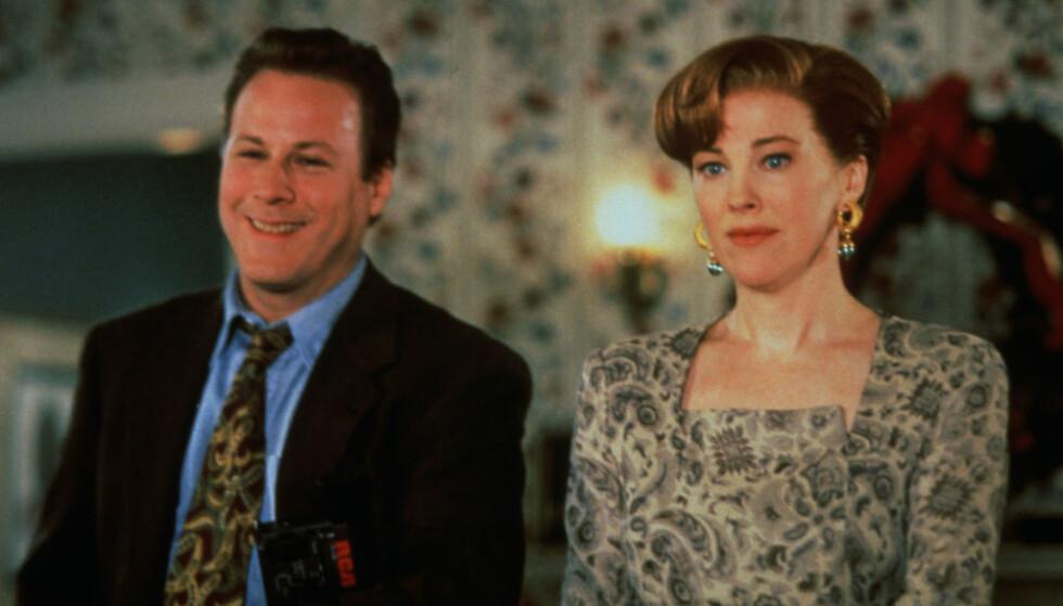 <strong>I 1992:</strong> John Heard og Catherine O'Hara i en scene fra «Alene hjemme 2 - Forlatt i New York». Foto: Zuma Press/ NTB scanpix