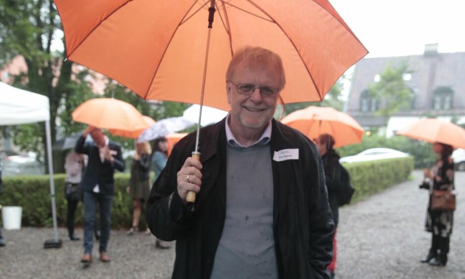 <strong>KJENT OG KJÆR FORFATTER:</strong> Klaus Hagerup på Aschehougs hagefest i Oslo i 2016. Foto: Lise Åserud / NTB Scanpix