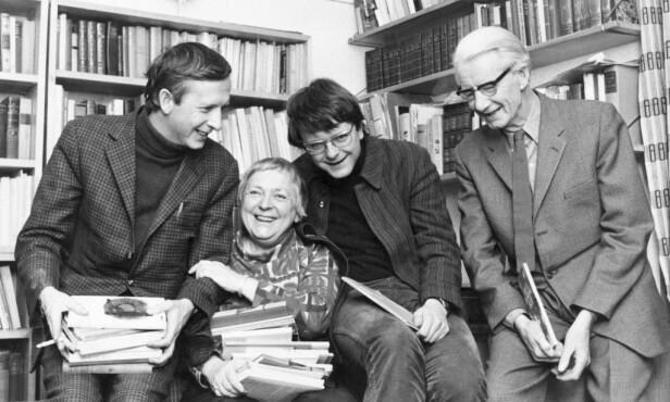 <strong>KREATIV FAMILIE:</strong> Klaus Hagerup var sønn av forfatterne Inger og Anders Hagerup. Her avbildet med foreldrene og broren Helge i 1969. Foto: NTB Scanpix