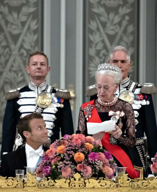 - ÆRLIG: I sommer tok dronning Margrethe imot Frankrikes president Emmanuel Macron på Amalienborg. Talen hun holdt vakte oppsikt i Danmark. Foto: NTB Scanpix