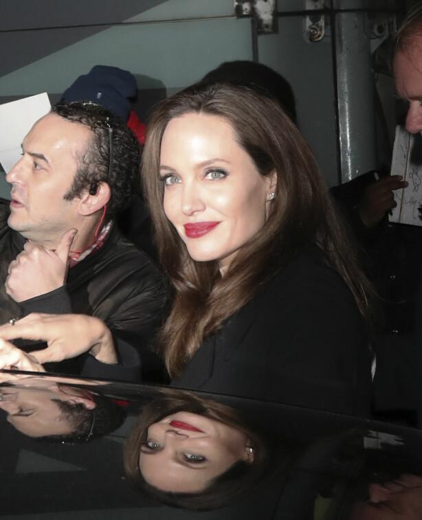 GJØR DET HUN KAN: Angelina Jolie forteller at hun gjør så godt hun kan, og utelukker ikke en stilling på det ovale kontor. Foto: NTB scanpix