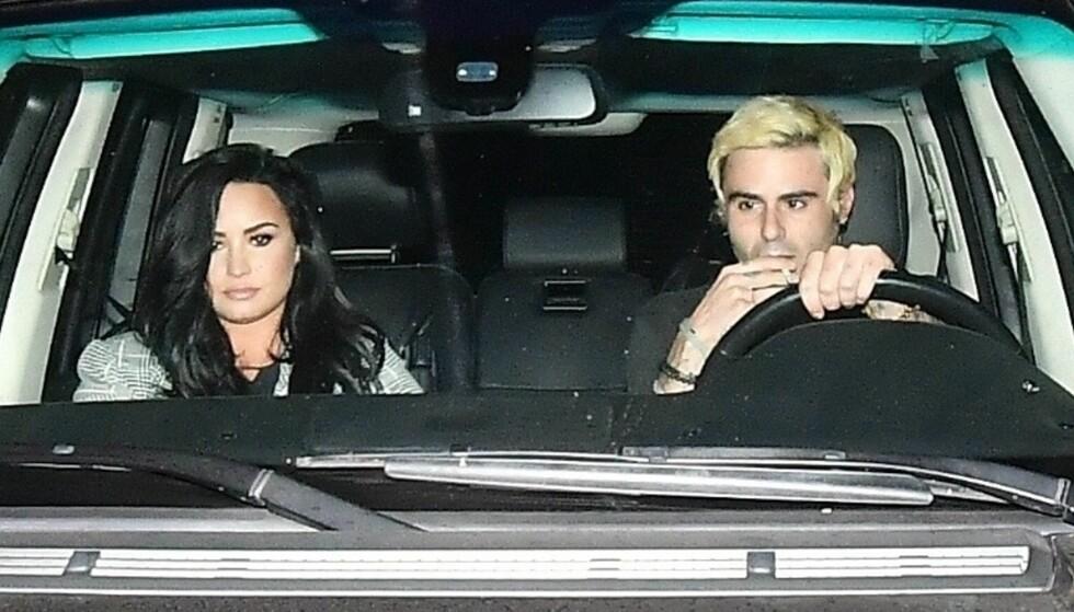 TILBAKE I LOS ANGELES: Artist Demi Lovato er ute av rehab, og ble i november observert sammen med det som skal være en ny flørt. Nå bekrefter hun forholdet. Foto: NTB Scanpix