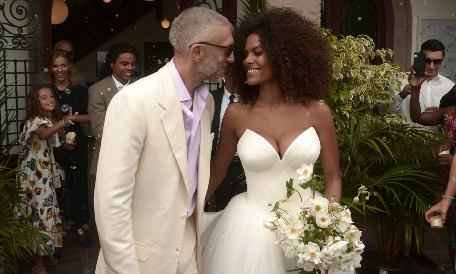 <strong>BABYLYKKE:</strong> Den franske skuespilleren Vincent Cassel og hans 31 år yngre kone giftet seg i en storslått seremoni i august i fjor. Foto: AP / NTB Scanpix