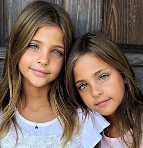 IDENTISKE: Ava og Leah ser så godt som prikk like ut. Foto: Privat