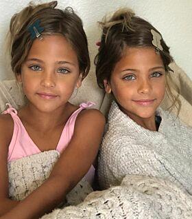 PÅ JOBB: Tvillingene blir både sminket og stylet som modeller. Hverdagen deres er ulik mange andres. Foto: Privat