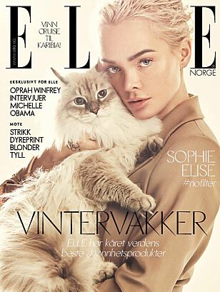 <strong>PÅ FORSIDEN:</strong> Sophie Elise er på forsiden av den nye utgaven av ELLE. Foto: Faksimile / ELLE