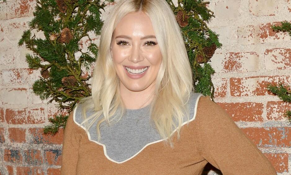 VIL FJERNE TABUER: Skuespiller Hilary Duff har delt et oppsiktsvekkende bilde på Instagram, som nå blir hyllet av fansen. Foto: NTB Scanpix