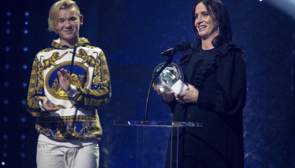 <strong>VANT TRE PRISER:</strong> Marit Bjørgen tar imot pris under Idrettsgallaen 2019. Foto: Carina Johansen / NTB Scanpix