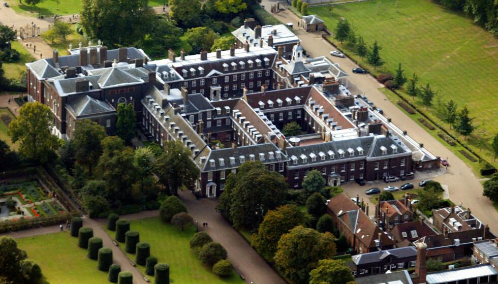 KENSINGTON PALACE: For tiden bor Meghan og Harry i en leilighet på eiendommen til Kensington Palace (avbildet), der også hertuginne Kate og prins William bor. Foto: NTB Scanpix